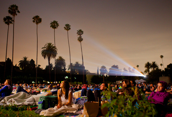Cinespia Outdoor Films - Hollywood Forever Cemetery images of movie screening of 'Swingers.' © Cinespia