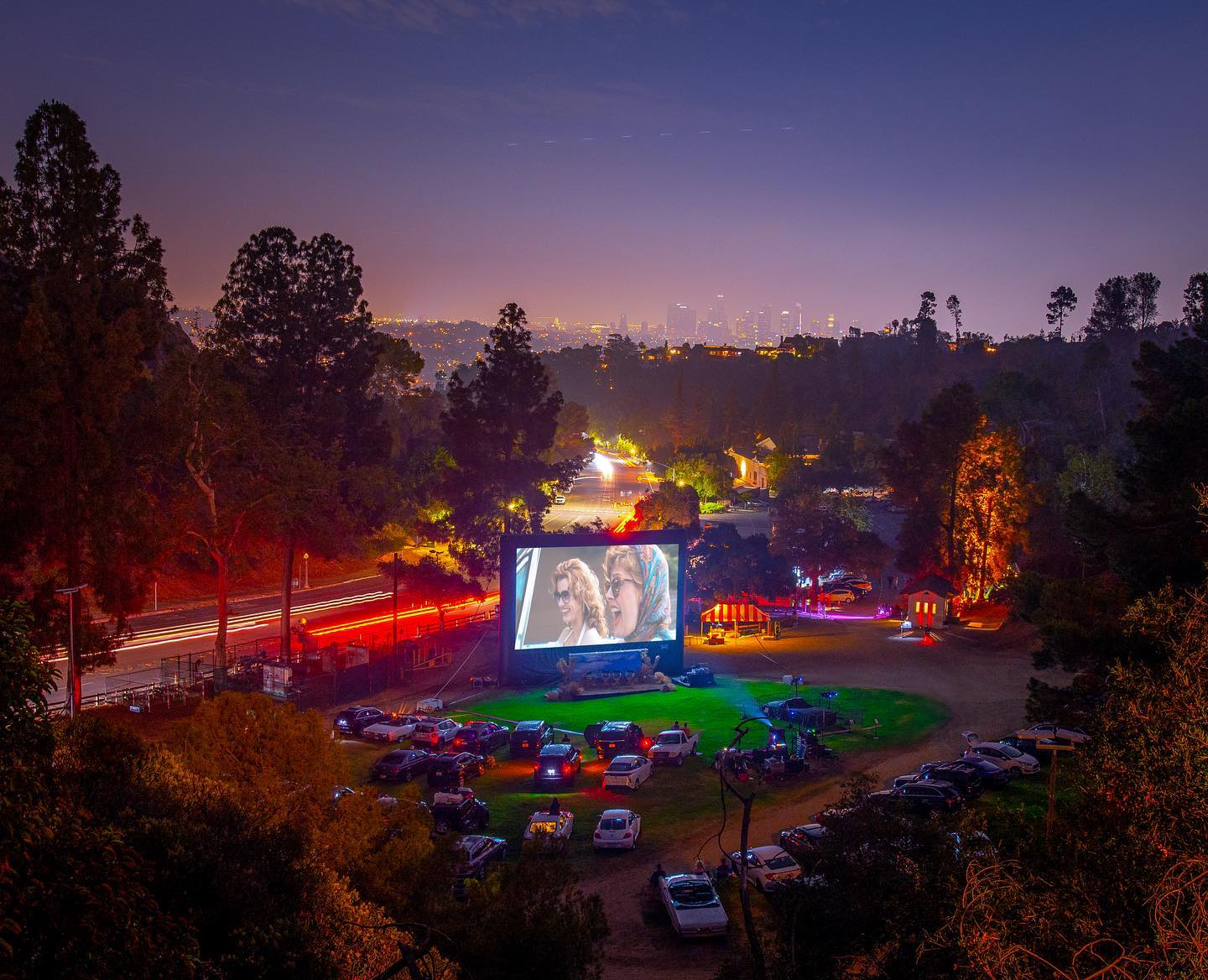 Photos from #Cinespia's Drive-In screening of Thelma & Louise are now posted. Check out our stories or see them all at cinespia.org @gdigm @susansarandon @lafoodbank @mgmstudios Photos by @cutiesatcinespia cinespia